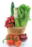 овощи салата бушеля полные wodden Стоковая Фотография