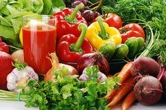 овощи стеклянного сока сырцовые Стоковые Фотографии RF