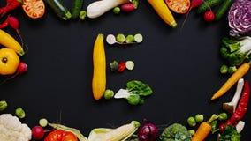 Овощи сделали письмо e стоковая фотография