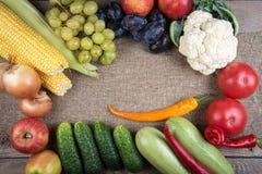 Овощи: луки, перцы, капуста, томаты, мозоль Стоковые Фото