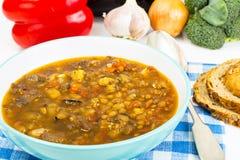Овощной суп с баклажаном и чечевицами Стоковые Фото