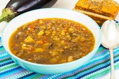 Овощной суп с баклажаном и чечевицами Стоковые Изображения RF