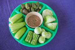 Овощ на плите с тайским sause чилей Стоковые Изображения RF