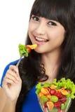 овощ салата удерживания девушки шара Стоковое Изображение