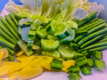 Овощ установил для сервировки которая состояла из огурца, джина шведского стола Стоковая Фотография