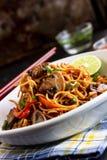 Овощ шевелит зажаренный Chow Mein стоковые изображения rf