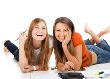 2 довольно молодых девушки студента Стоковые Изображения RF