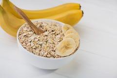 Овсяная каша с бананом диетпитание принципиальной схемы стоковое фото