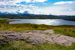 Овца озера и остров овцы в Wester Ross, Шотландии Стоковая Фотография