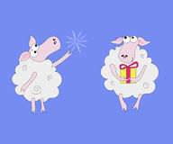 2 овцы с подарками и снежинками Стоковое Изображение