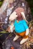 Овцы ткани handmade в голубой рубашке Стоковые Изображения
