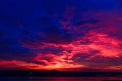 Оглушать горячий розовый рассвет стоковые изображения