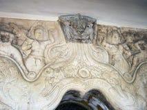 Оглушать сброс на стенах виска зуба Будды стоковая фотография rf