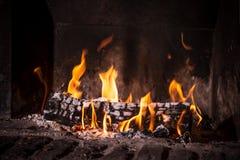 Огонь в камине стоковые изображения