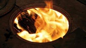 Огонь в печи акции видеоматериалы