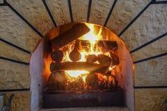 Огонь камина и камина, швырок Стоковое Фото