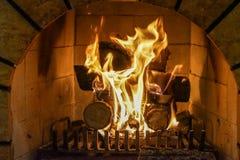Огонь камина и камина, швырок Стоковое Изображение