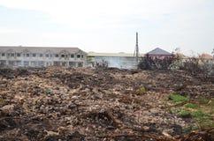 Огонь места захоронения отходов в Таиланде стоковая фотография rf