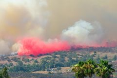 Огонь Сан-Диего Калифорния утеса стоковое изображение