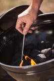 Огонь светов в BBQ Стоковые Изображения RF