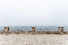 Ограждать на портовом районе стоковое фото