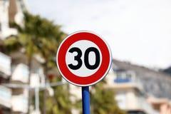 Ограничение в скорости на kmh 30 стоковые фото