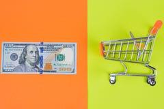 Ограничиваемые валютной биржей доли запаса сбережений количества суммы инвестируют стоковые фотографии rf