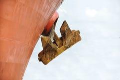 Огромная смертная казнь через повешение анкера корабля снаружи стоковые фотографии rf