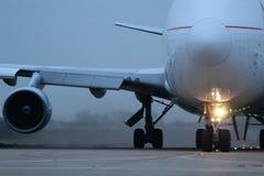 Огромное воздушное судно Боинга 747, один из ai мира самого красивого стоковые фотографии rf