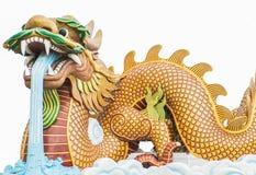 Огромный дракон на статуе облака на предпосылке Стоковые Изображения