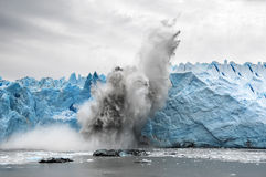 Огромный стог льда рушясь в Патагония Стоковая Фотография RF