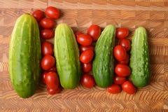 Огурцы и томаты Стоковые Фотографии RF