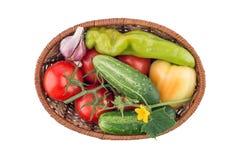 Огурцы, томаты, перец и чеснок изолированные на белом backgro Стоковые Фото