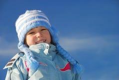 одевает зиму девушки счастливую стоковое фото