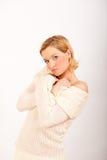 одежды вяжут сексуальных белых детенышей женщины зимы Стоковые Изображения