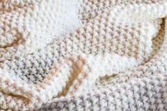 Одеяло мягкого Knift белое и серое хода стоковые фотографии rf