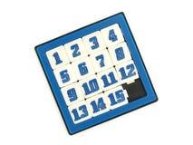 Одиночная малая голубая карманная игрушка сползая 15 номеров озадачивает игру изолированную на белой предпосылке стоковое фото rf
