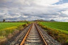 Одиночный железнодорожный путь в Ране, чехии стоковые фото