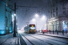 Один мощный шторм снега одна ноча в Варшаве стоковые изображения