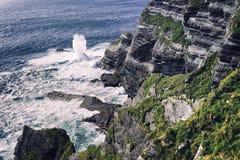 Одичалый атлантический путь, Ирландия стоковые фотографии rf