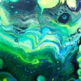 Одичалый зеленый Acrylic льет картину Стоковые Изображения RF