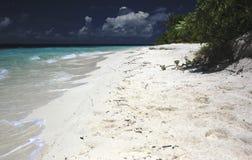 Одичалый и дезертированный мечт пляж Стоковые Фото
