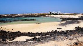 Одна из лагун El Cotillo, Фуэртевентура, Канарские острова, Испания стоковое фото rf