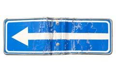 Одна улица пути в направлении знака левой стрелки изолированного на белизне Стоковая Фотография