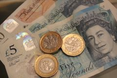 10 5 одно примечание 10 монетки фунта, 5, 1, Стоковая Фотография