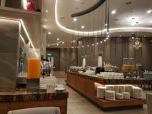 15-ое августа 2018, Куала-Лумпур Весь день обедающ ресторан настройте на гостинице Mercure Selangor Selayang Стоковая Фотография RF