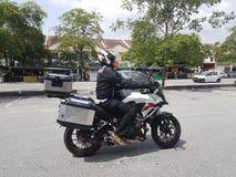 14-ое августа, Куала-Лумпур, Малайзия Honda CB500x на дороге Стоковая Фотография