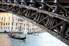 13-ОЕ АВГУСТА 2013 на мосте Венеции 18:52 Италия стоковые фото