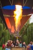 26-ое августа 2017 Украина, белая церковь Варенье воздушного шара Подготовка для старта горячего воздушного шара Стоковое Изображение