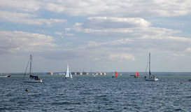 13-ое августа 2017 Leigh на море, Essex, Англии, наслаждаясь водными видами спорта на лимане Стоковые Фото